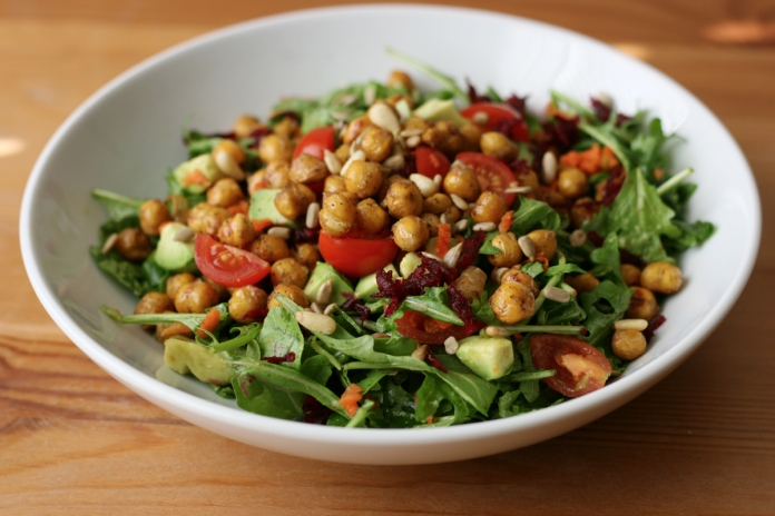 Crisped chickpeas and arugula salad