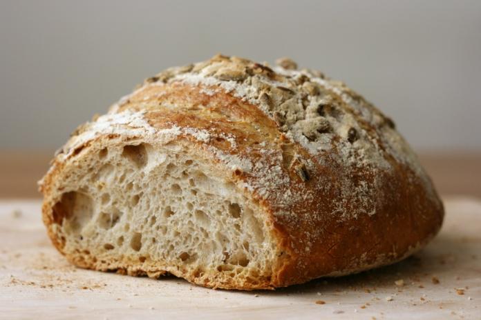 Low-sodium light whole wheat bread